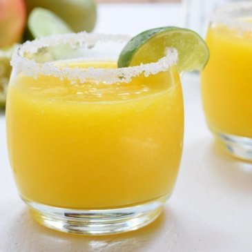 Fresh Mango Lime Margaritas