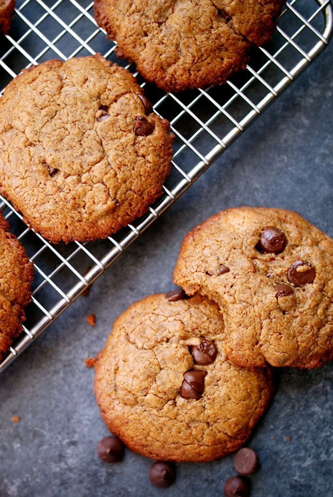 5-Ingredient Chocolate Chip Cookies