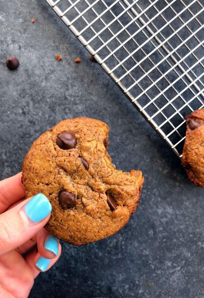 5-Ingredient Chocolate Chip Cookies
