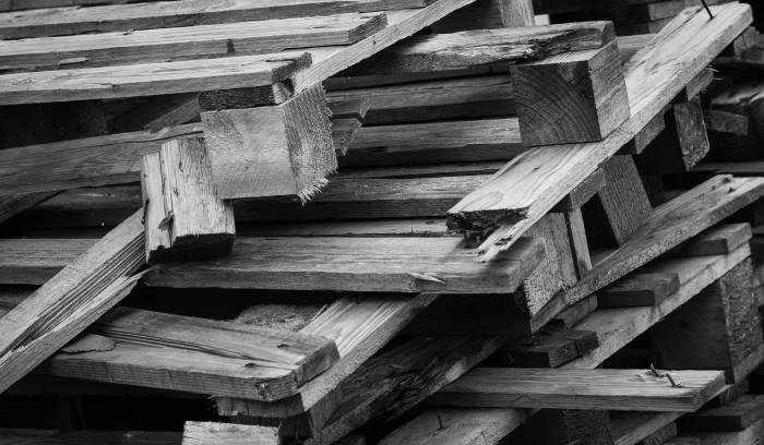 How To Disassemble A Pallet