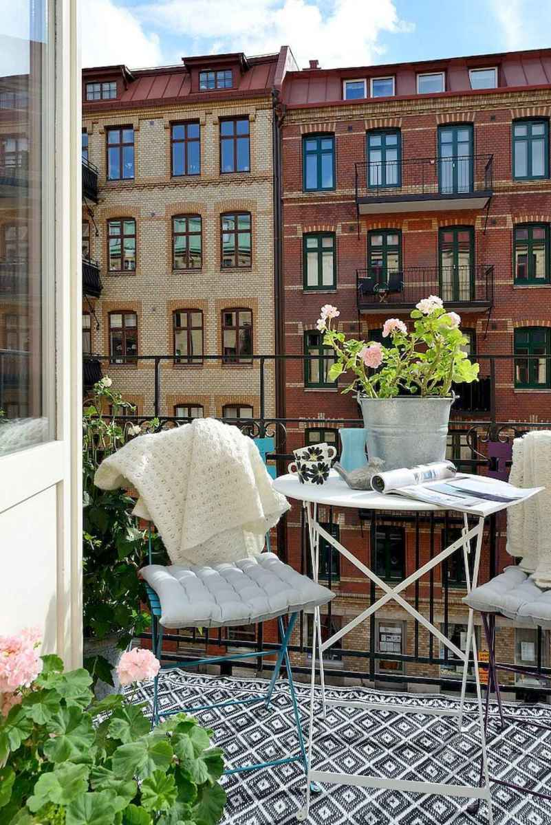 50 scandinavian porch makeover and a relaxing date night on the deck (17)