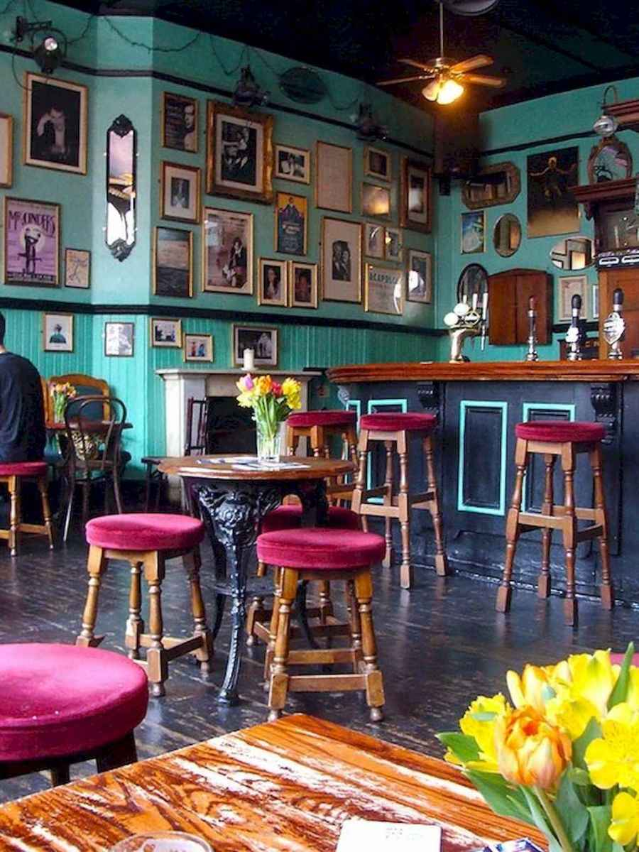 50 vintage bar decor ideas (8)