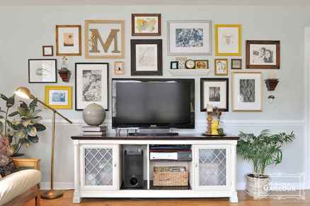 Inspired gallery wall living room (27)