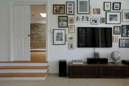 Inspired gallery wall living room (57)