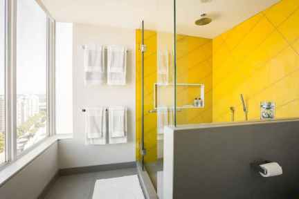 120 Colorfull Bathroom Remodel Ideas (61)