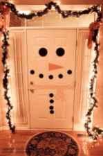 60 apartment decorating christmas ideas (17)
