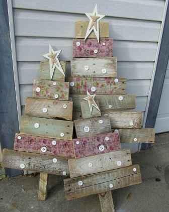 60 apartment decorating christmas ideas (57)
