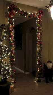 60 apartment decorating christmas ideas (7)