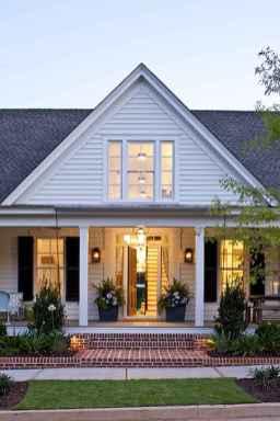 90 Modern American Farmhouse Exterior Landscaping Design (35)