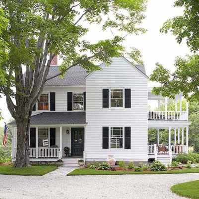 90 Modern American Farmhouse Exterior Landscaping Design (78)