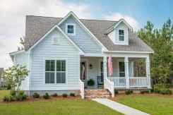 90 Modern American Farmhouse Exterior Landscaping Design (86)