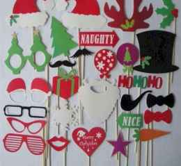 20 Best Christmas Party Decorations Photo Booths Ideas (14)