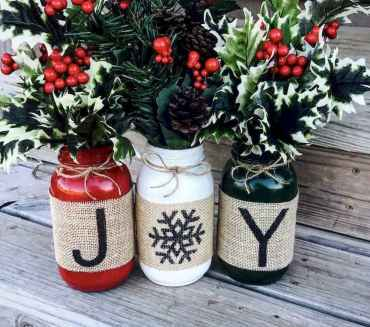 25 Aweome DIY Christmas Decorations Ideas For First Apartment (19)