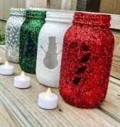 25 Aweome DIY Christmas Decorations Ideas For First Apartment (4)
