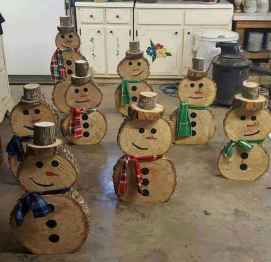 25 Gorgeous DIY Christmas Crafts Wooden Ideas (16)