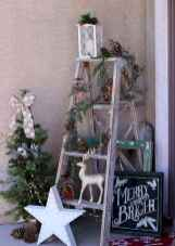 25 Incredibly Christmas Decorations Porch For First Apartment Ideas (16)