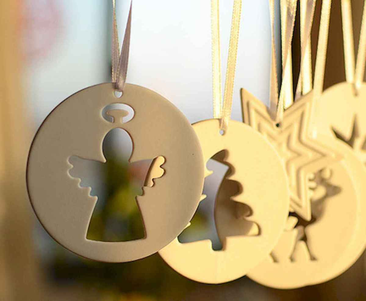 30 Simple Ornaments Christmas Tree Decorations On A Budget (20)