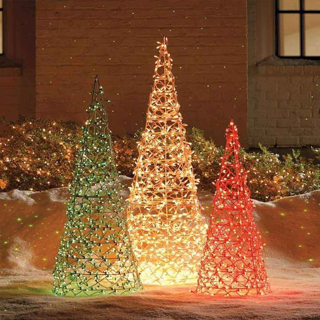 35 Beautiful Christmas Decorations Outdoor Lights Ideas (15)