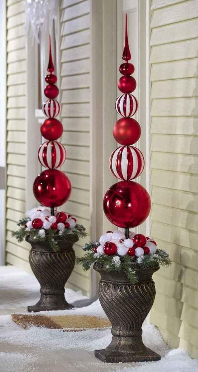 35 Beautiful Christmas Decorations Outdoor Lights Ideas (24)