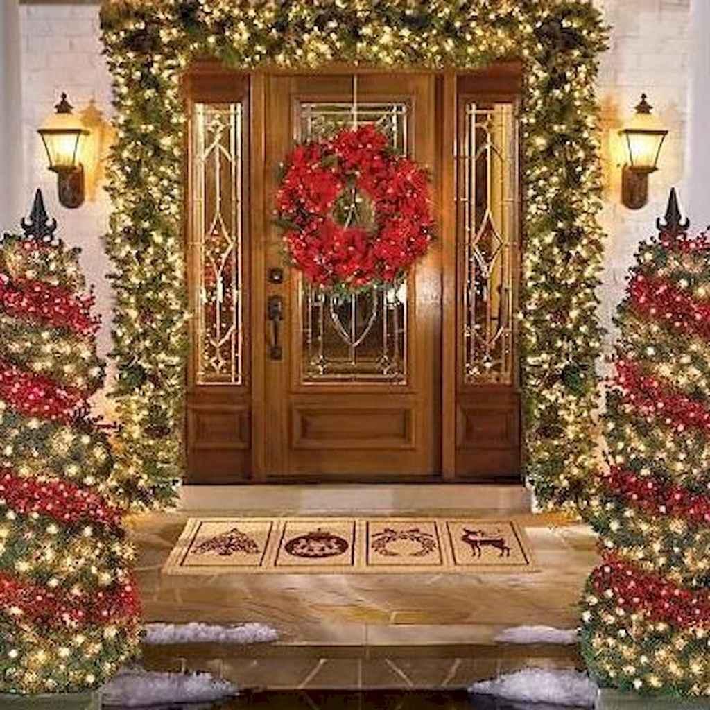 35 Beautiful Christmas Decorations Outdoor Lights Ideas (9)