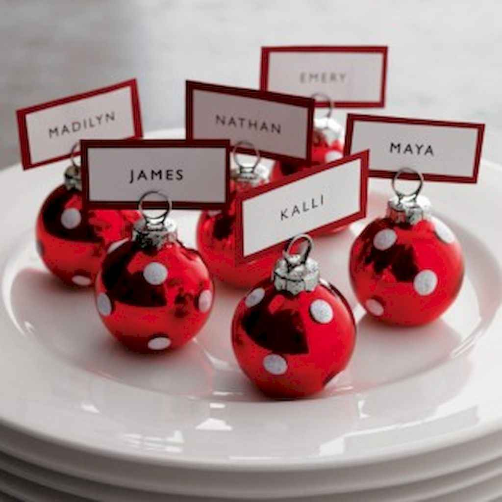40 Awesome Christmas Dinner Table Decorations Ideas (13)