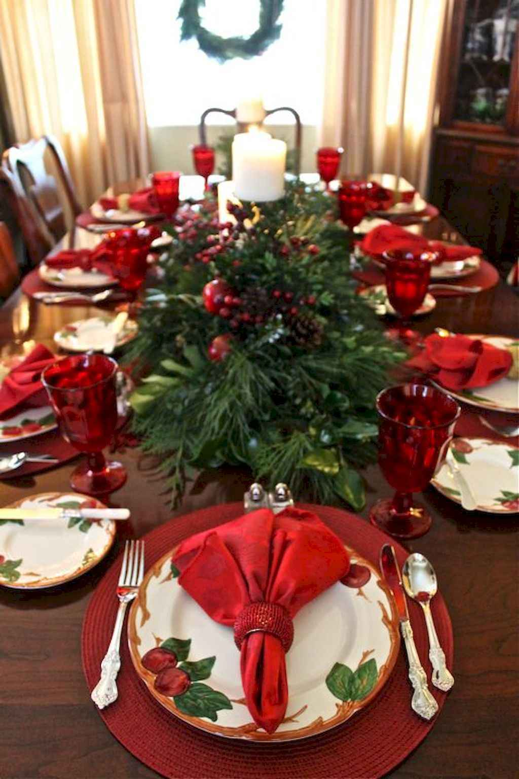 40 Awesome Christmas Dinner Table Decorations Ideas (5