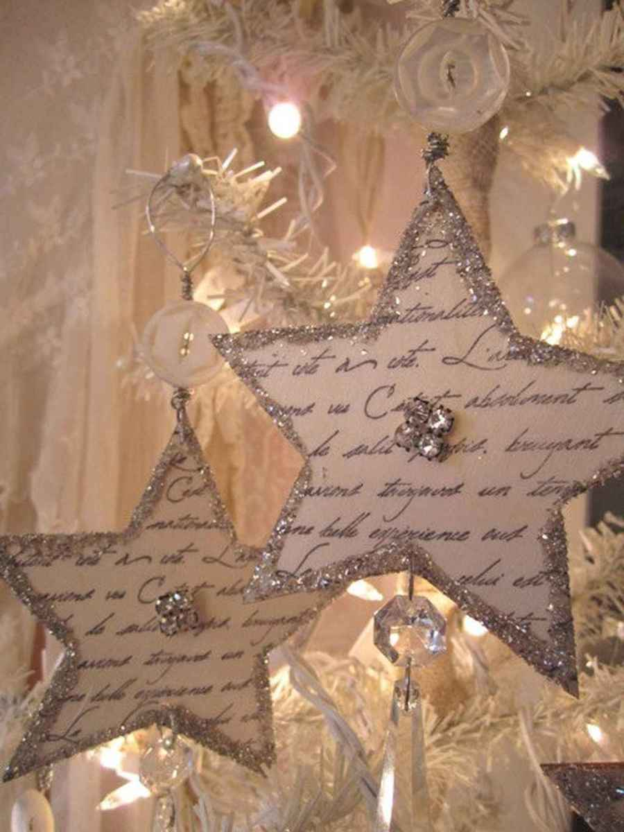 40 First Apartment Ideas Christmas Decorations Shabby Chic (9)