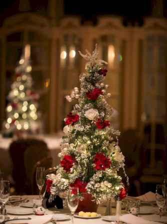 44 Stunning Christmas Decorations Mesa Centerpiece Ideas (27)
