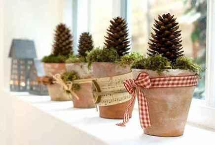 45 Best Christmas Decorations Outdoor Pine Cones Ideas (27)