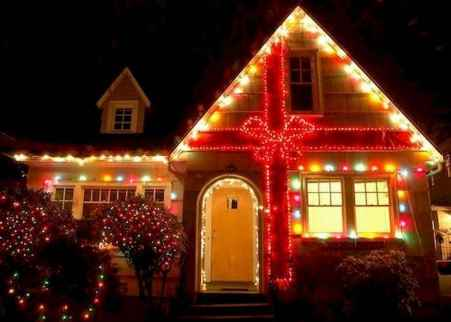 70 Awesome Farmhouse Style Exterior Christmas Lights Decorations (33)