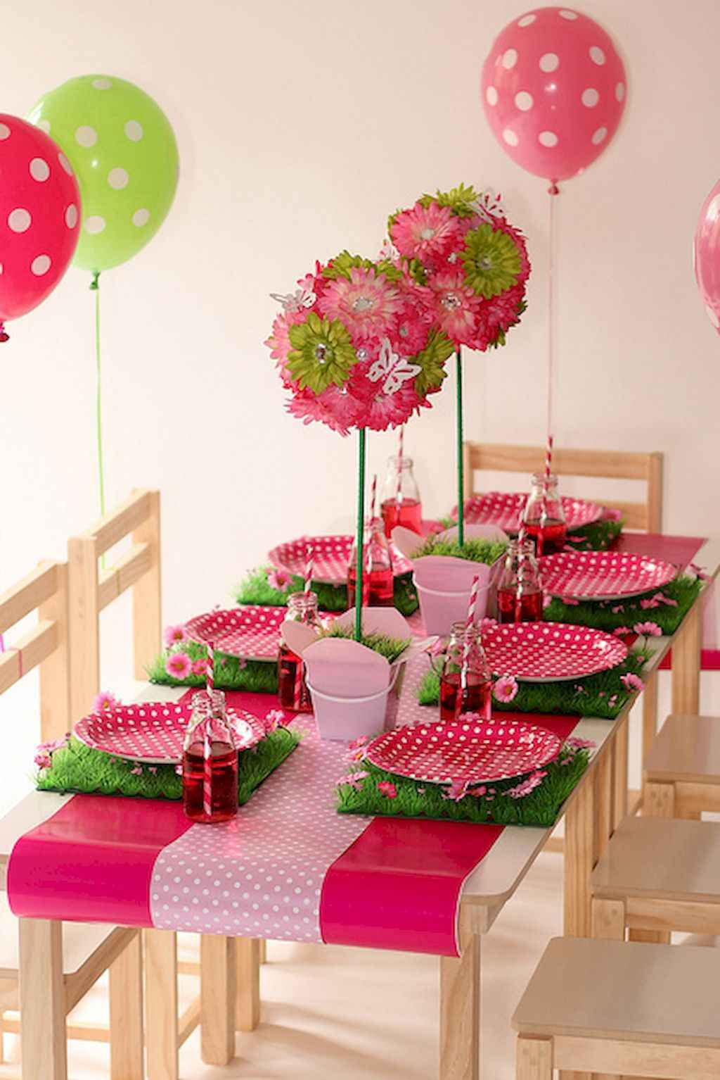 44 Romantic Valentines Party Decor Ideas (18)