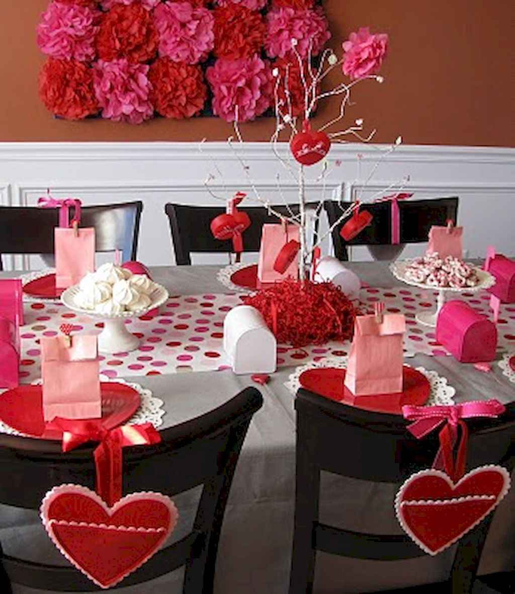 44 Romantic Valentines Party Decor Ideas (19)