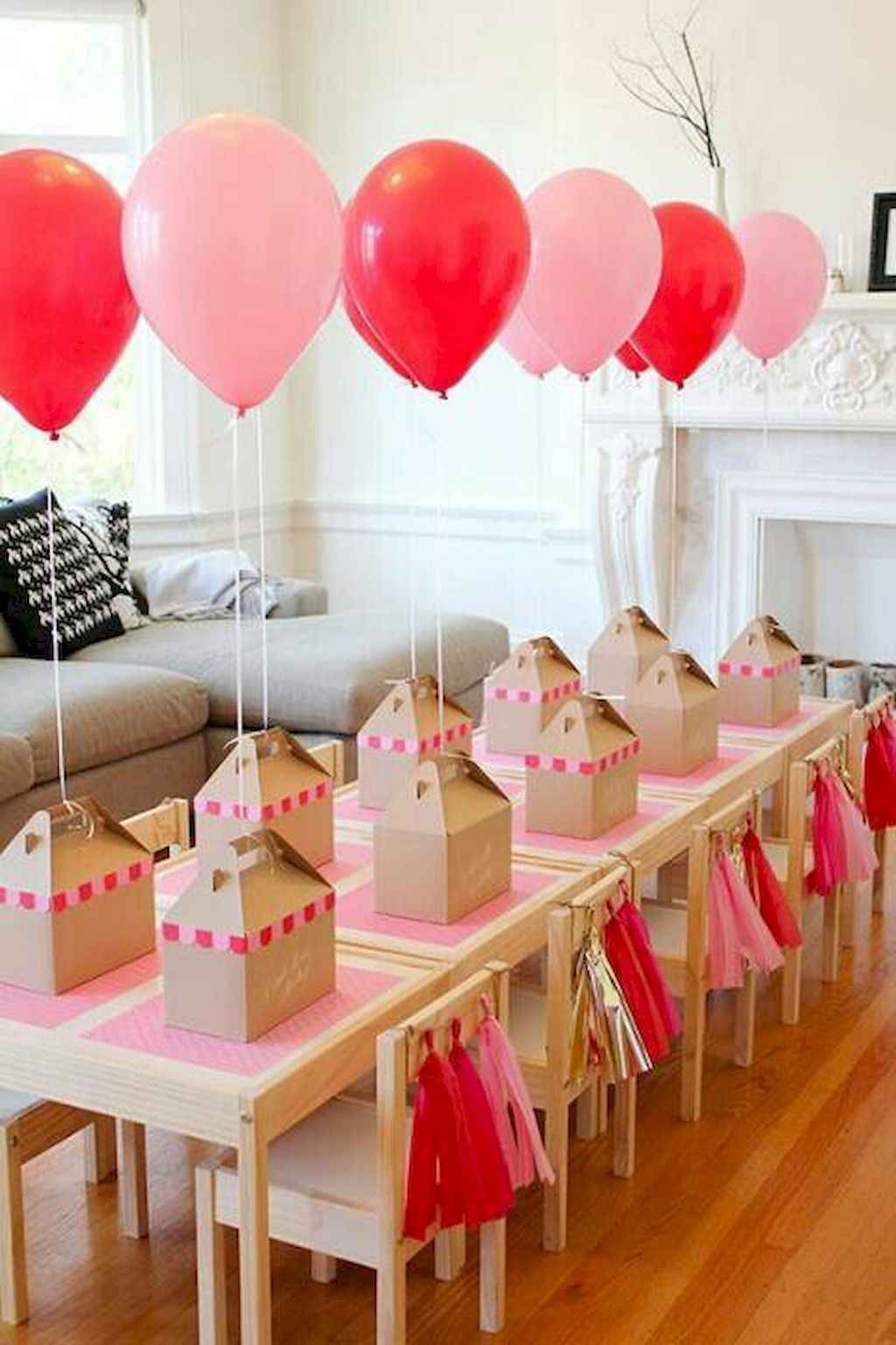 44 Romantic Valentines Party Decor Ideas (42)