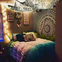 50 Incredible Apartment Bedroom Decor Ideas With Boho Style (2)