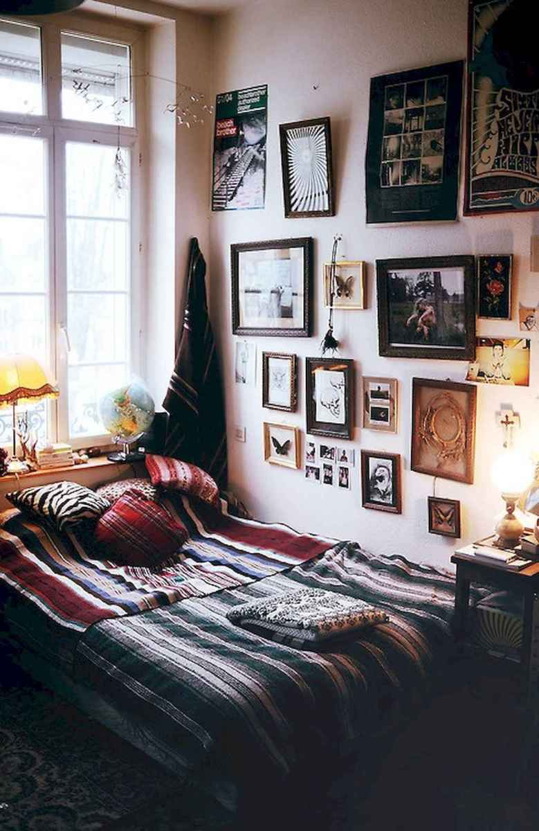 50 Incredible Apartment Bedroom Decor Ideas With Boho Style (27)