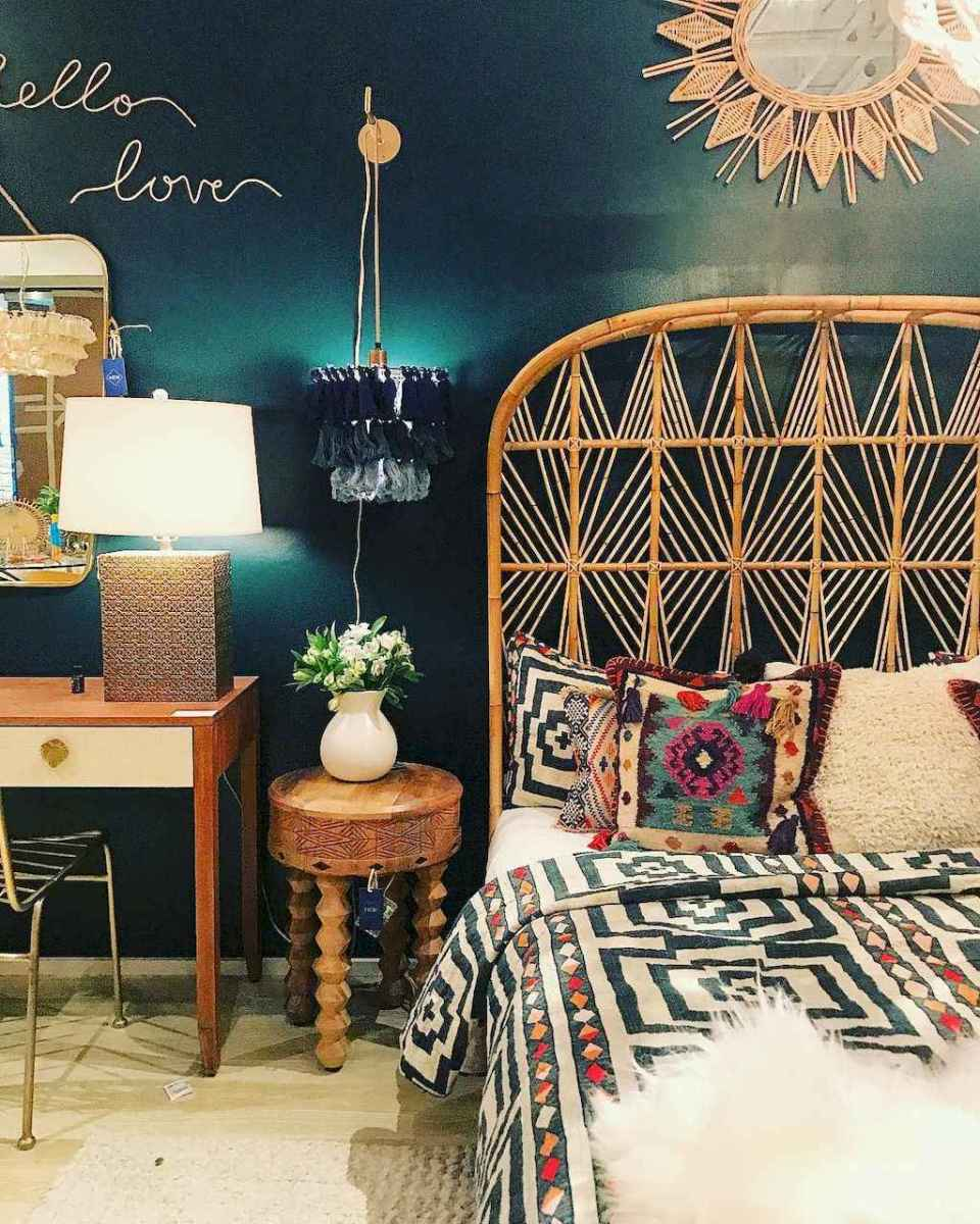 50 Incredible Apartment Bedroom Decor Ideas With Boho Style (50)