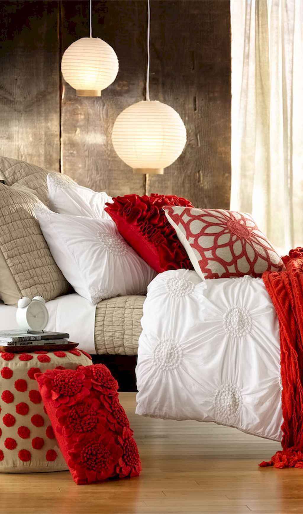 50 Romantic Valentine Bedroom Decor Ideas (25)