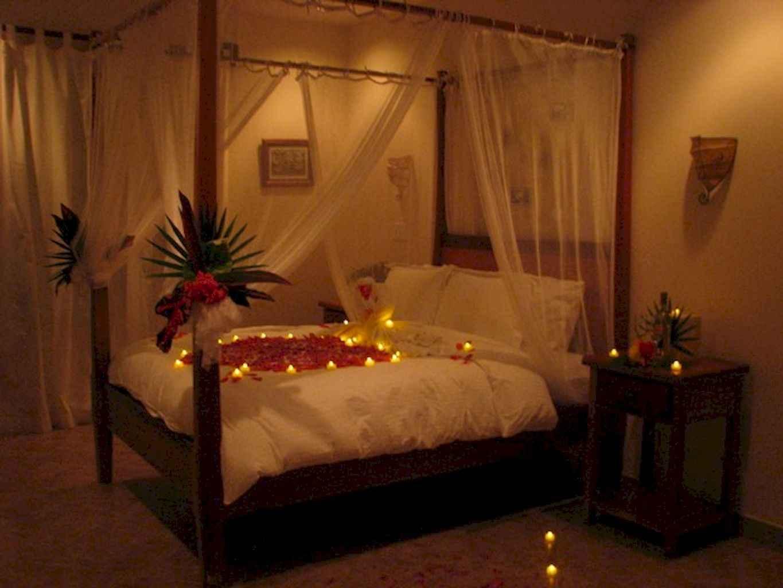 50 Romantic Valentine Bedroom Decor Ideas (28)