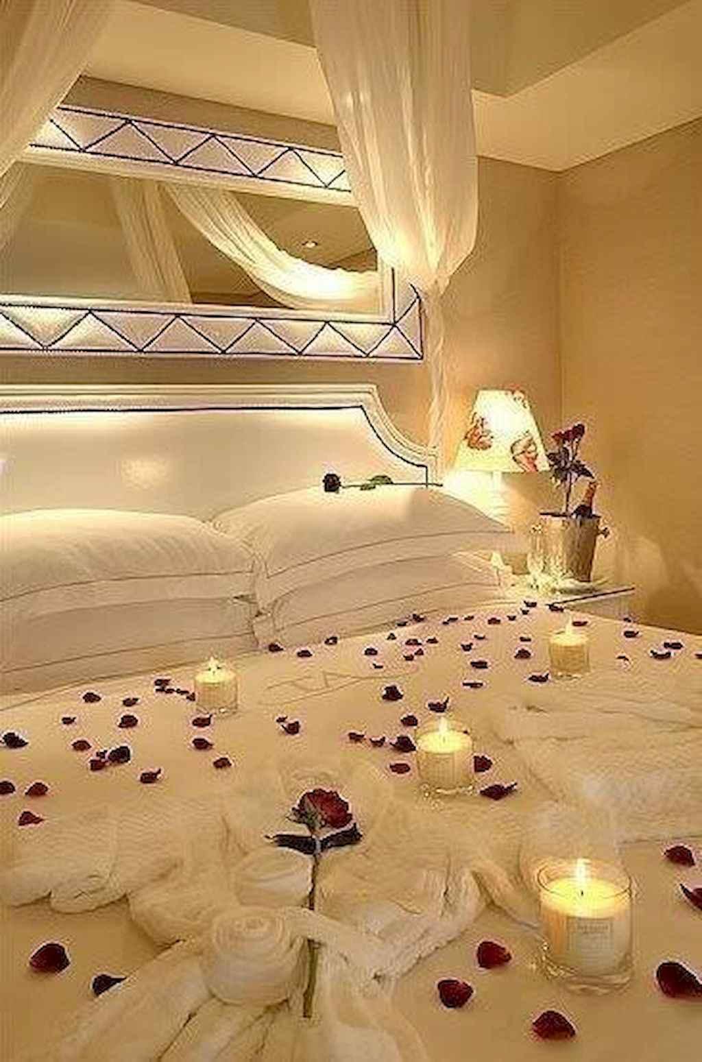 50 Romantic Valentine Bedroom Decor Ideas (44)