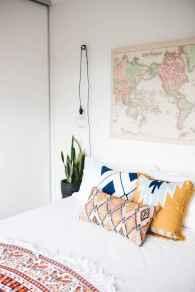 50 Stunning Vintage Apartment Bedroom Decor Ideas (2)
