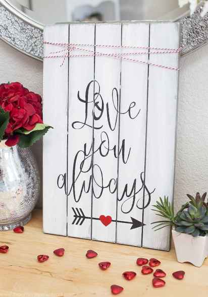 60 Romantic Valentines Crafts Ideas On A Budget (41)