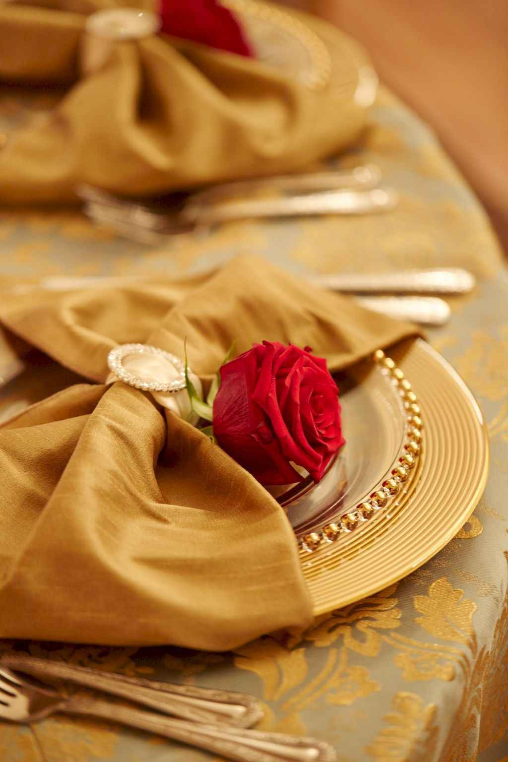 66 Romantic Valentines Table Settings Decor Ideas (23)