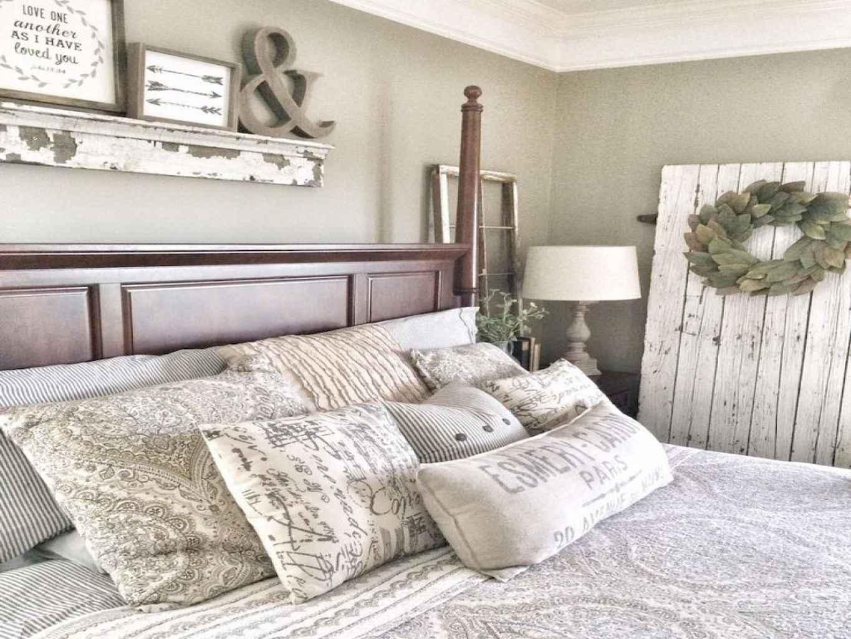 100 Stunning Farmhouse Master Bedroom Decor Ideas (20)