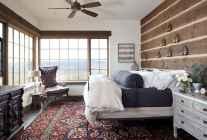 100 Stunning Farmhouse Master Bedroom Decor Ideas (36)