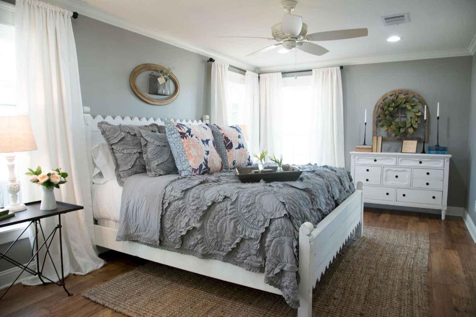 100 Stunning Farmhouse Master Bedroom Decor Ideas (47)