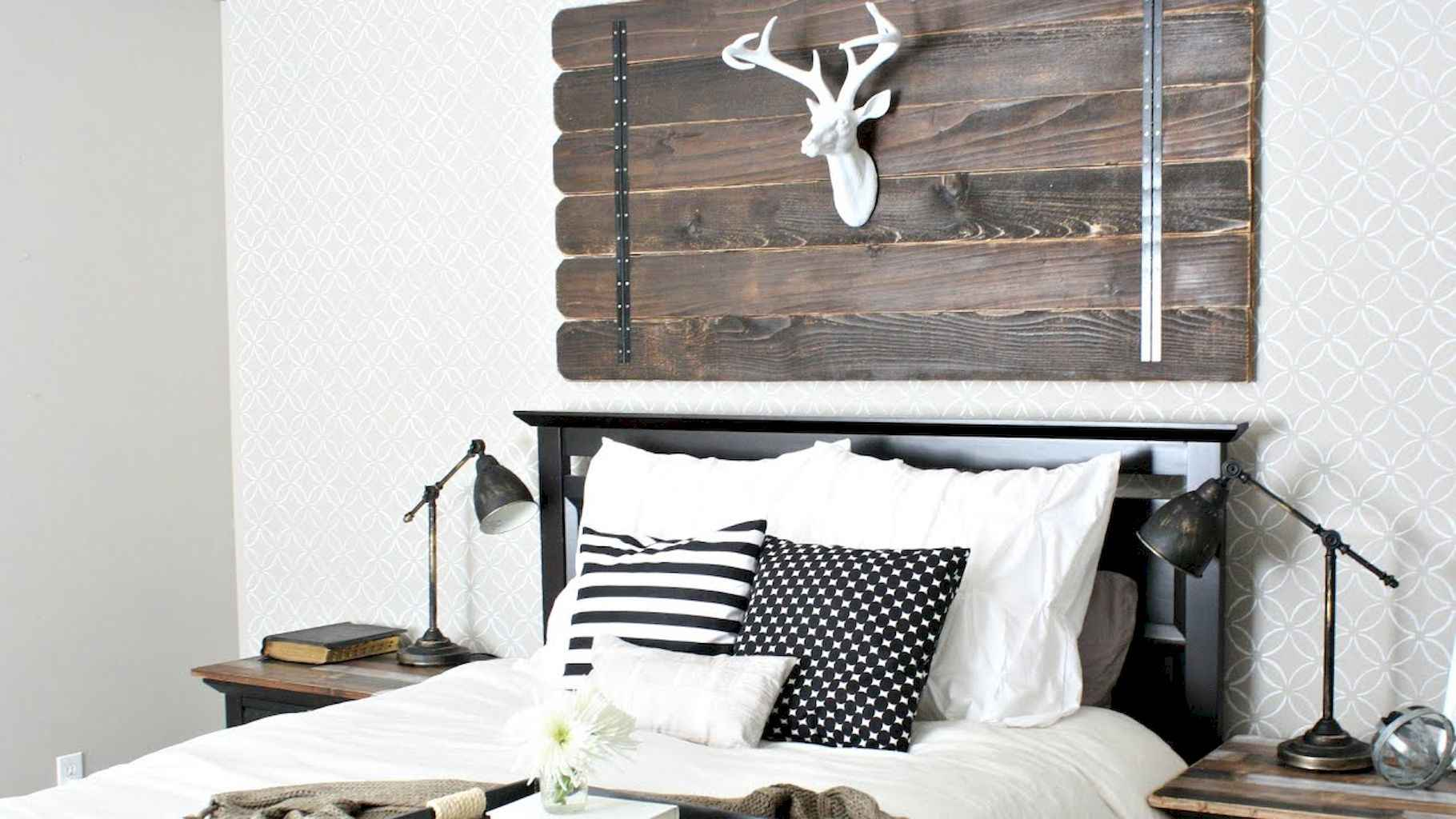 100 Stunning Farmhouse Master Bedroom Decor Ideas (59)