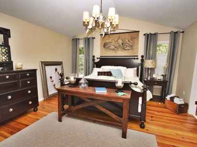 100 Stunning Farmhouse Master Bedroom Decor Ideas (66)