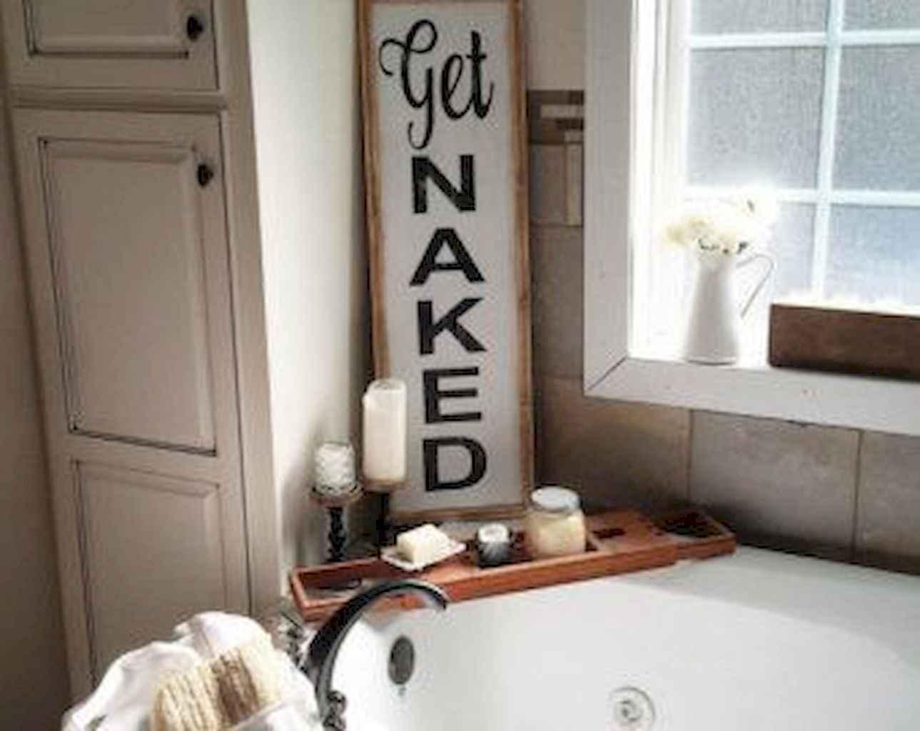 110 Best Farmhouse Bathroom Decor Ideas (138)