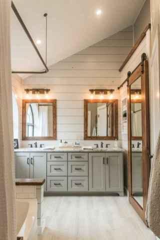 110 Best Farmhouse Bathroom Decor Ideas (154)