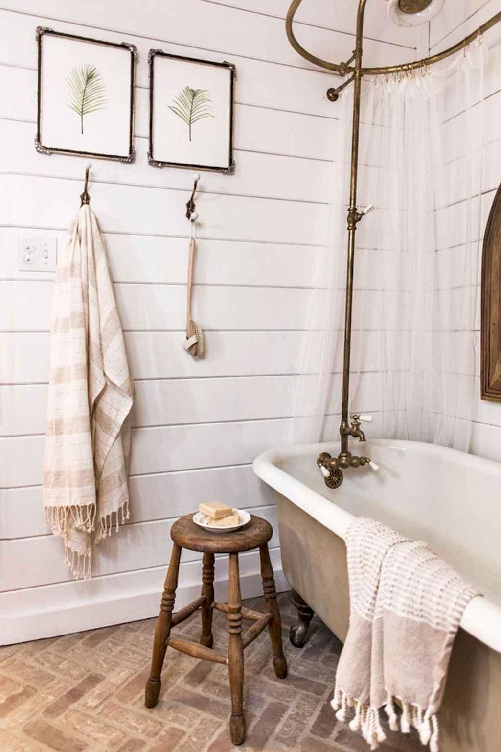 110 Best Farmhouse Bathroom Decor Ideas (159)